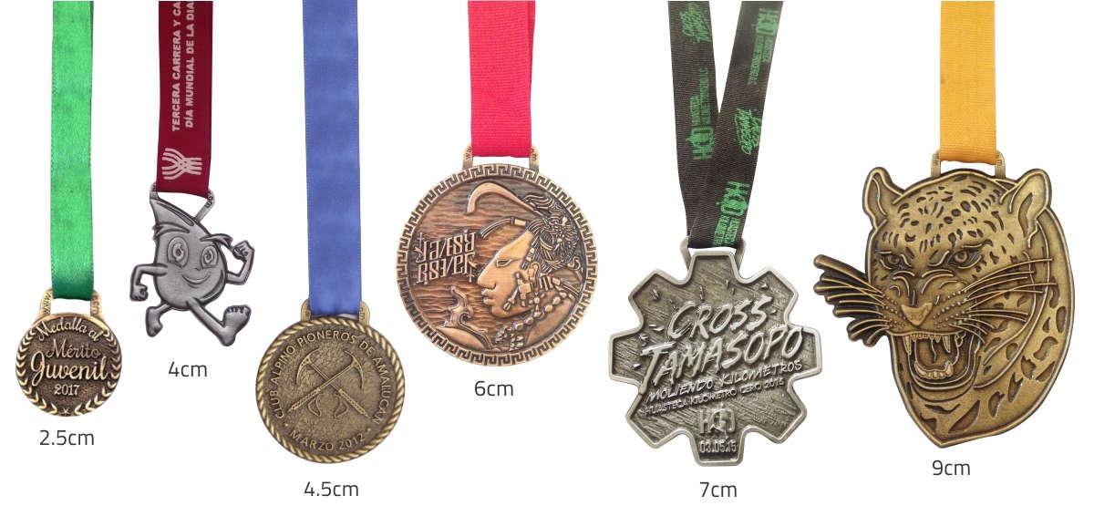 imagen de medallas de diferentes tamaños, de 2.5, 4, 4.5, 6, 7 y 9 cm