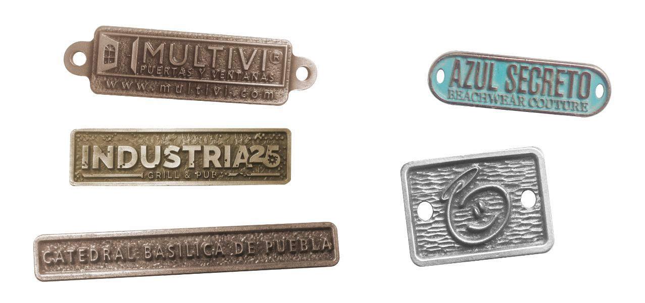 plaquitas personalizadas para productos, de la catedral de puebla o fábrica de puertas